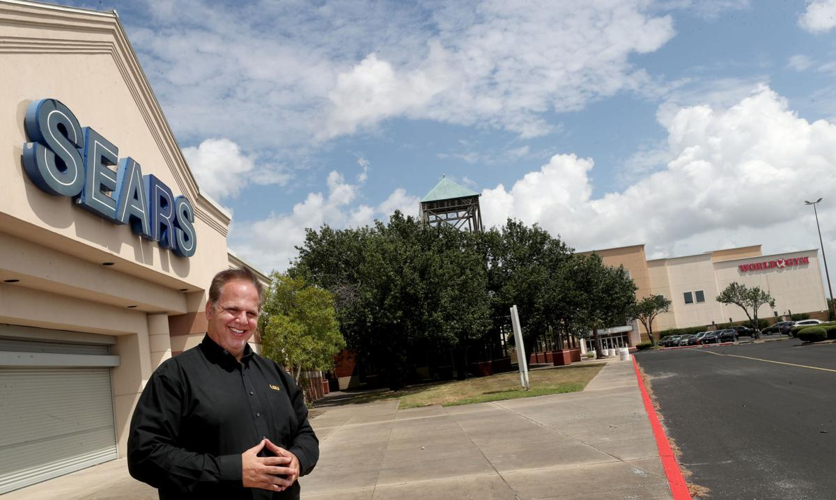 You are currently viewing Developer buys vacant Sears building in Texas City, secures more restaurant tenants at former mall